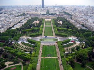 le-jardin-des-tuileries-paris-france+1152_12904733512-tpfil02aw-4256